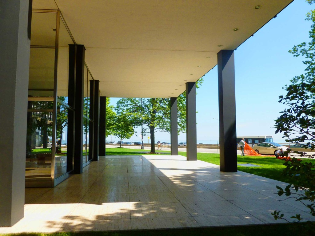 860-880 Lake Shore Drive, Chicago, IL – Mies van der Rohe (1951)